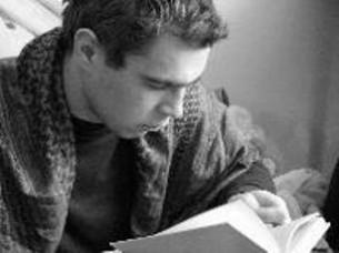 було б пестити мене мужністю своїх метафор та нахабністю алегорій а потому брати і творити поезію