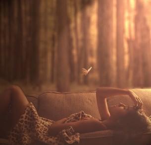 Лепет, трепет, колыханье,  Пляска легкого огня,  Ангел мой, мое дыханье, —  Как ты будешь без меня?  Как-то там, без оболочки,  На ветру твоих высот,  Где листок укрылся в почке,  Да и та едва спасет?