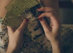 Поверь, что я твоей невесте Ревнивых писем не пишу. Но мудрые прими советы: Дай ей читать мои стихи, Дай ей хранить мои портреты...