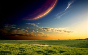 Ти ходиш по ній –  вона зеленіє СОБІ.  Твої стопи чудові,  і у трави життя.